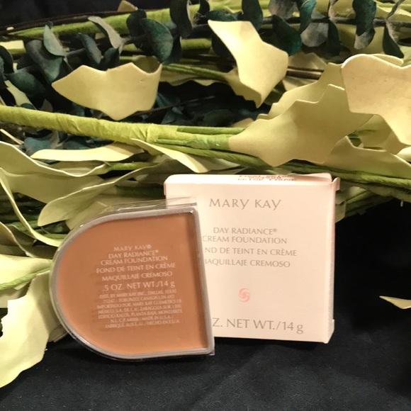 Mary Kay Day Radiance Cream Foundation